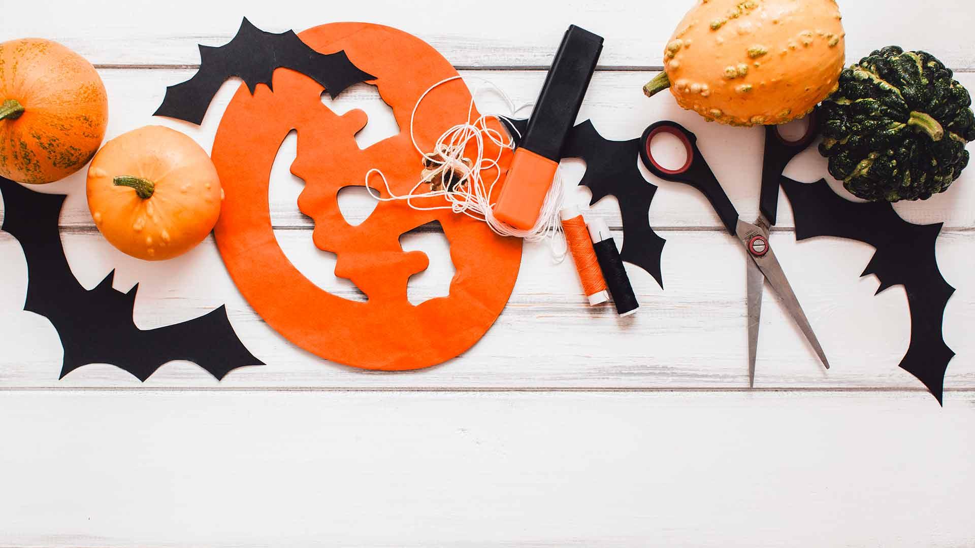 atelier mobile bois halloween